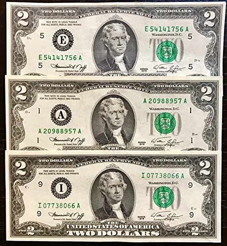 Two Dollar Bills 1976 (2 Notes) - Rare Bicentennial 1976 $2 Bills in Collectible Currency Holder (Varying Condition) (Photo 2 Coin Mint)