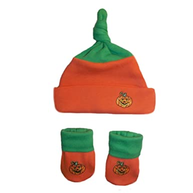 7a0d62369f3 Amazon.com  Jacqui s Unisex Baby Pumpkin Hat and Booties Set  Clothing