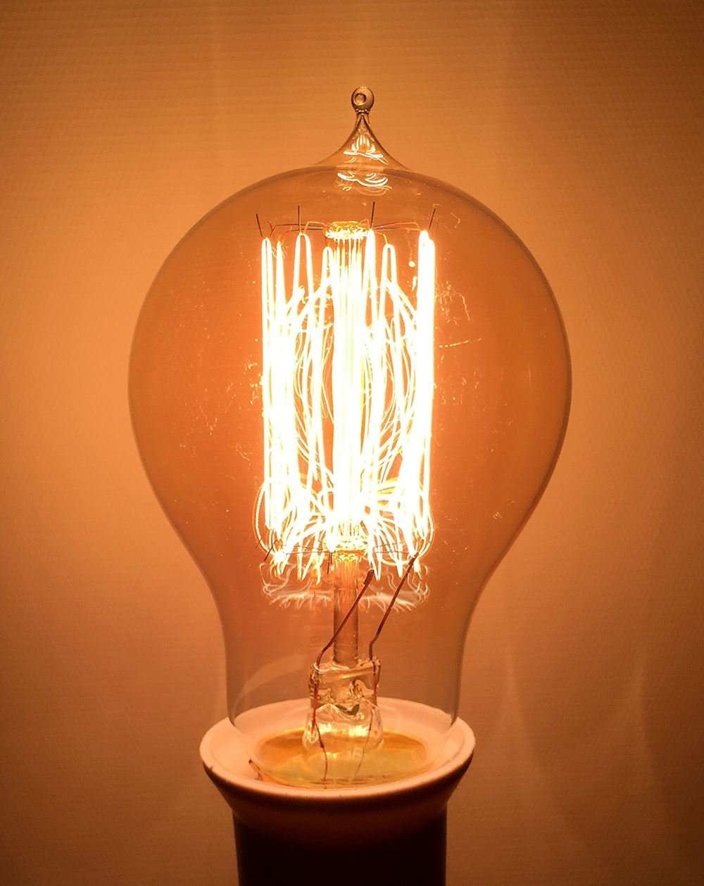 8 X Dimmable Vintage Retro Style Edison Bulbs Industrial GLS Globe Shape A60 Squirrel Cage Screw Filament Amber Glass Antique Decorative Light ES E27 2700K Warm White 40W