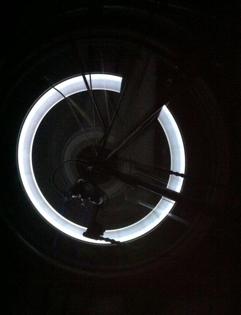 RBrothersTechnologie 2 Stü ck LED Ventilkappen Radbeleuchtung Licht Felgenlicht Tuning Auto WEISS RBT-4700415204