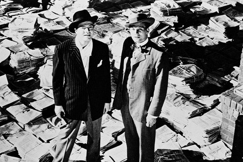 Orson Welles Joseph Cotten Citizen Kane 24x36 Poster iconic standing on - Poster Newsprint