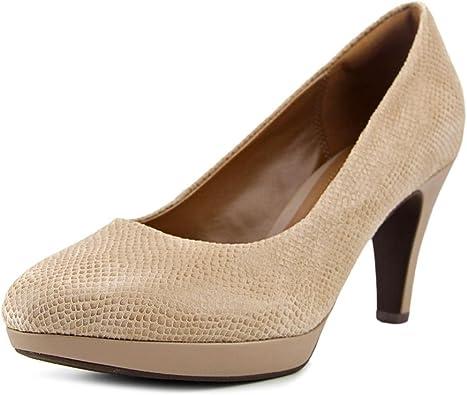 filtrar Bigote error  Amazon.com: Clarks Zapatos de vestir con tacones Brier Dolly para mujeres,  Beige, 6 C/D US: Shoes