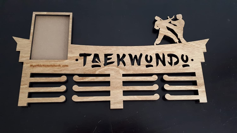 Wall Mounted Martial Arts Belt Display Rack Karate Taekwondo Medal Trophy Holder