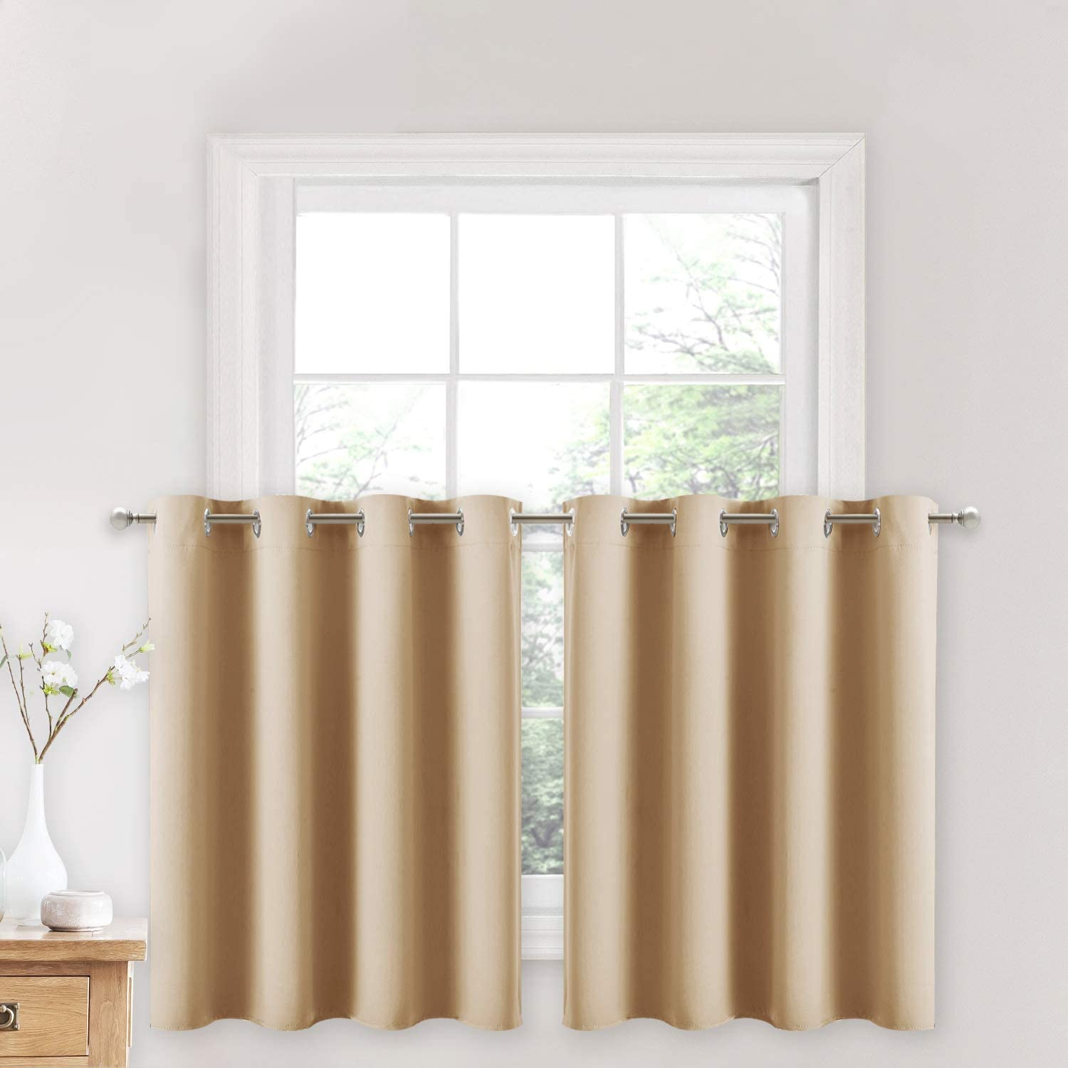 Grommet kitchen curtain
