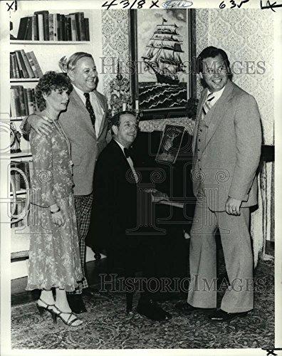 1980 Crush Photo Mrs Adrian Benjamin & Stocker Fontelieu on set of Blithe Spirit