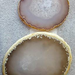 Amazon Com Nupuyai Polished Agate Geode Slices Cup Mats Coasters For Drinks Set Of 2 Natural Stone Slab Place Cards For Wedding Decorative Stone For Home Decoration 3 4 Inches Home Kitchen
