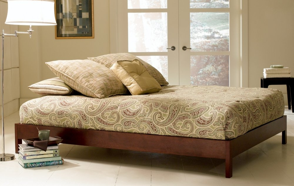 Murray Platform Bed with Wooden Box Frame - Mahogany Finish - King