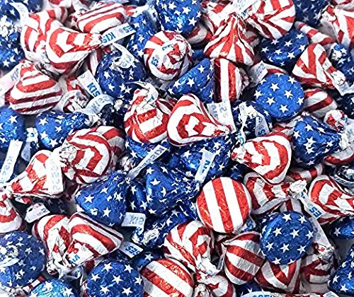 Hershey's Kisses Milk Chocolate Patriotic Candy, USA Flag Foiled, 2 lbs