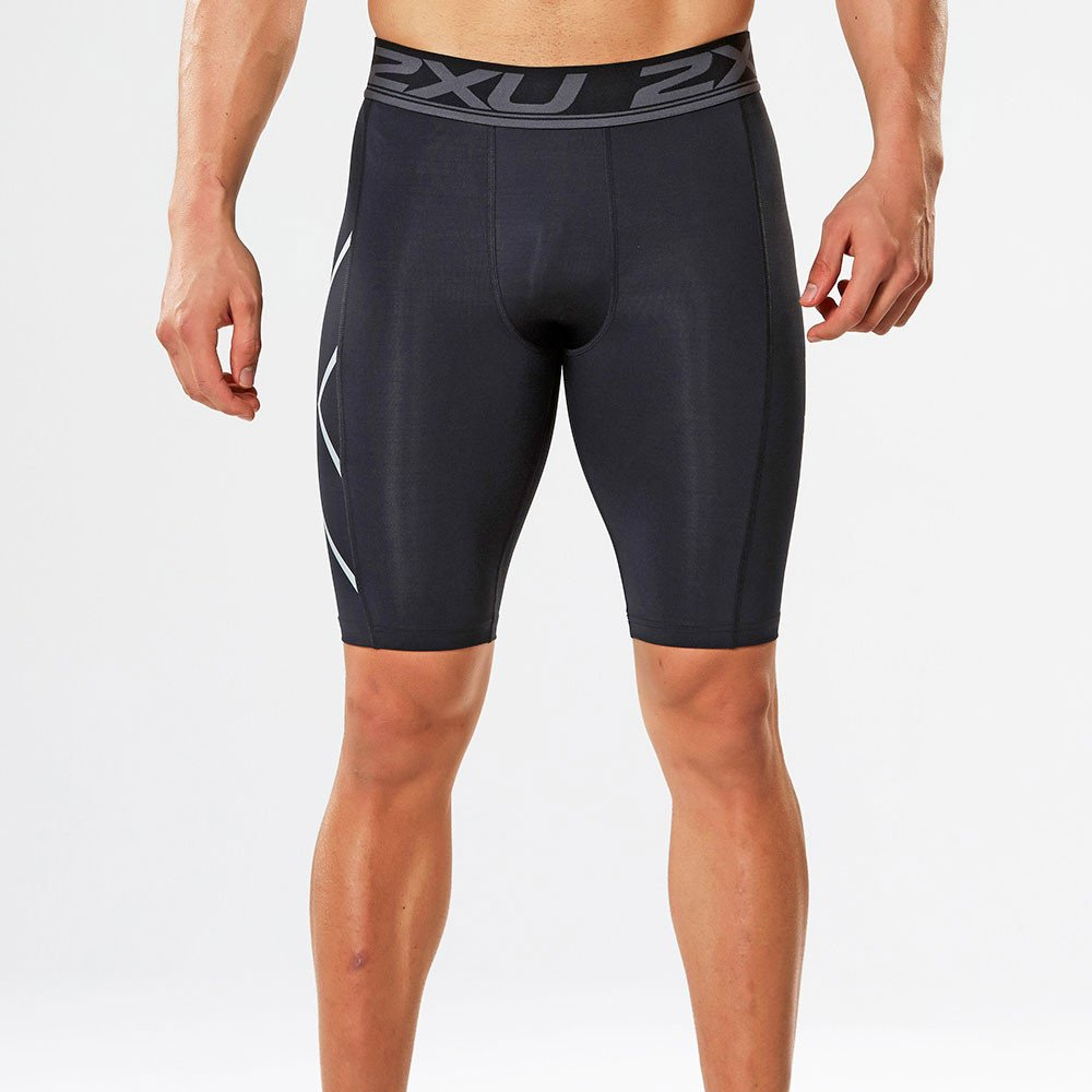 2XU Herren Accelerate Comp Shorts, Schwarz
