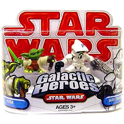 Star Wars 2009 Galactic Heroes 2-Pack Clone ARF Trooper and Yoda: Toys & Games
