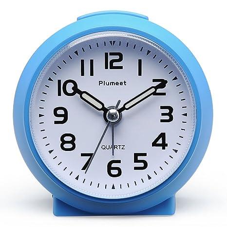 Reloj despertador Plumeet pequeño, silencioso, perfecto para viajar, con función snooze y luz de noche, color bonito para niños, alarma con sonido ...