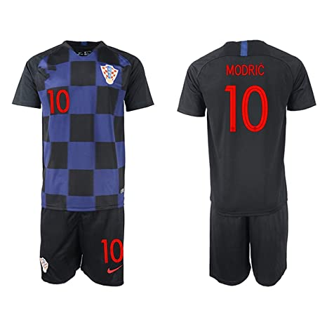b2a126974 Amazon.com   AdriK 2018 19 New Croatia Modric Away Men s Soccer ...