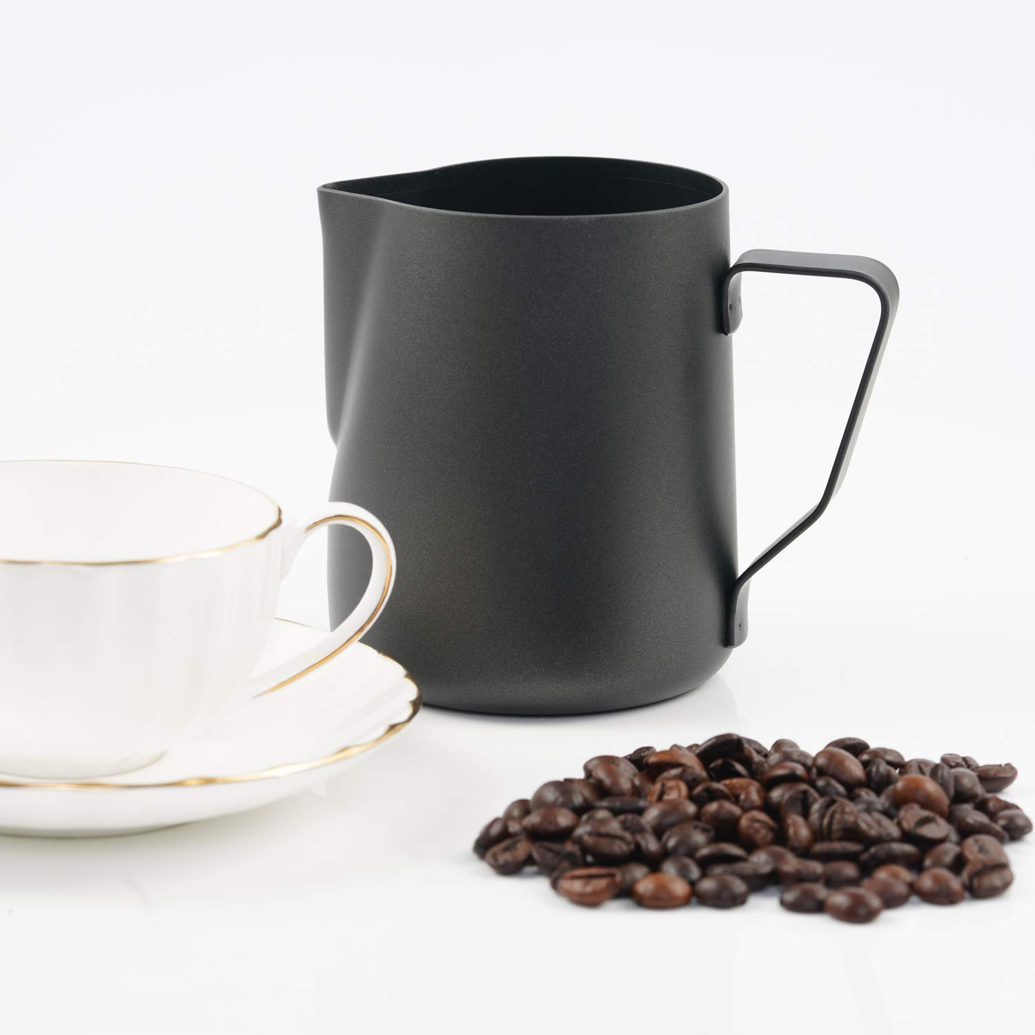 Milk Frothers 600 ml Latte Art 20oz Milk Frothing Pitcher Stainless Steel Creamer Frothing Pitcher Espresso Milk Frothing Cup Jug with Non-Stick Teflon Coating  Perfect for Espresso Machines