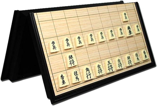 Juego de ajedrez juego de viaje Las piezas del juego colapsaron El tablero de ajedrez Piezas