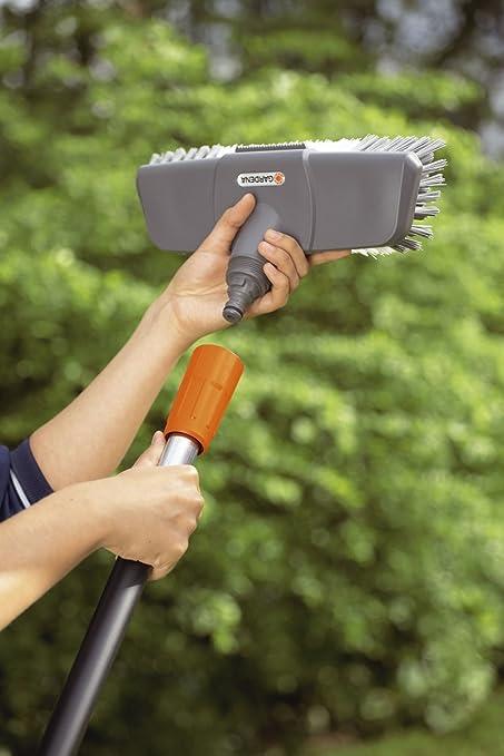 Kit Brosse de Nettoyage pour Terrasses de Gardena/ Kit de Nettoyage pour Terrasse et Jardin avec Brosse Confort Cleansystem 5586-20