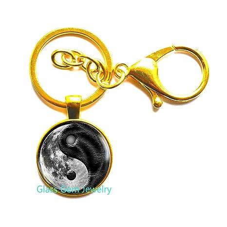Llavero Moon Yin Yang, llavero de luna, llavero de galaxia ...