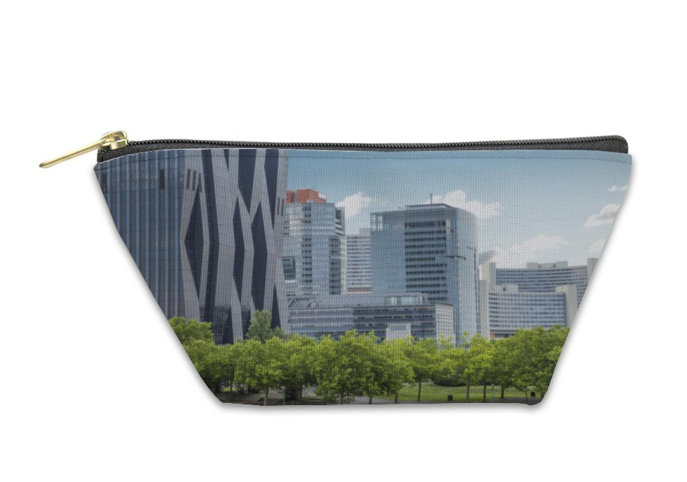 Gear New Accessory Zipper Pouch, Business Center In Vienna Austria, Small, 5904967GN