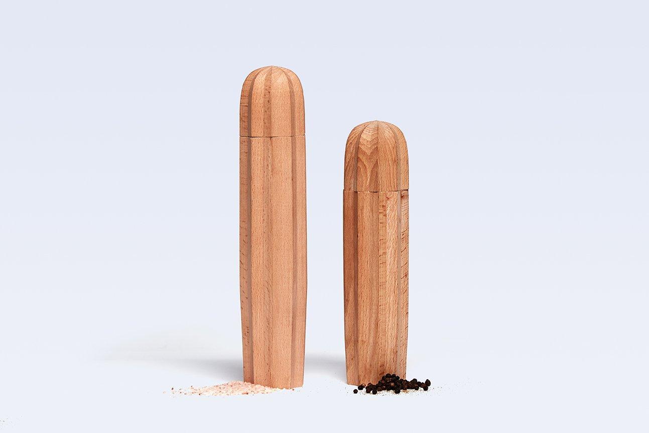 Solid Wood Salt and Pepper Mills Cacti Cactus Natural Wood DOIY DYCACTIWO