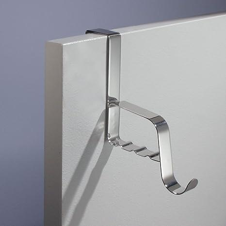 mDesign Perchero para puerta – Ganchos en metal resistente – Gancho para colgar abrigo, chaqueta, albornoz o toalla – Accesorio sin taladro para baño, ...