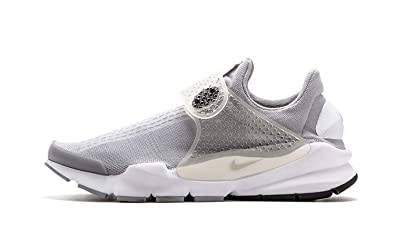 pretty nice d0be4 9027b Amazon.com: Nike Sock Dart SP - Size 11: Shoes