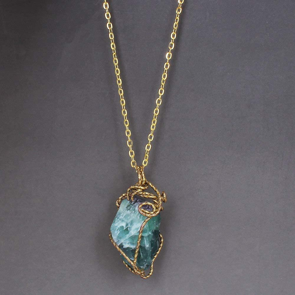 ASDWA Collar De Piedra Preciosa,Vintage Irregular Light Esmeralda Natural Stone Crystal 7 Chakra Colgante Cadena Golden Wire Collares Envueltos para Hombres Mujeres Moda Cumpleaños Regalo Joyería