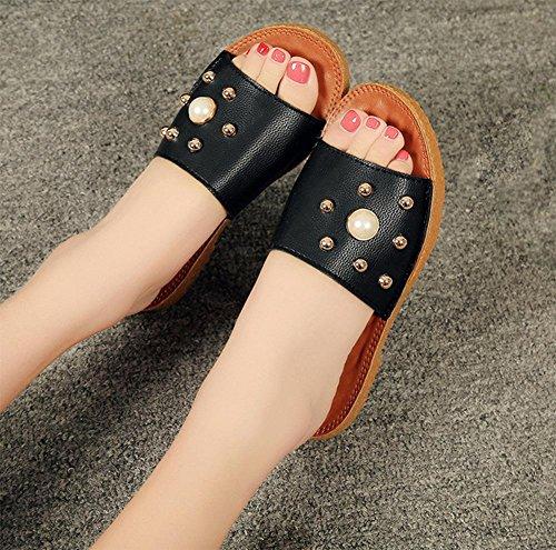 Sommer-Perle flache Schuhe Nieten Wort Sandalen Frauen öffnen Zehe Sandalen und Pantoffeln Wild black
