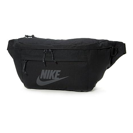 4c755e62e7 Amazon.com  Nike Tech Hip Pack