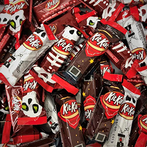 KIT KAT Chocolate Bars, Halloween Spooky Miniatures, Perfect for Halloween Decorations, Trick Or Treat, 80 Ounce Bulk Candy (Approximately 250 Mini Bars) (Spooky Miniatures - 5 LB.) ()
