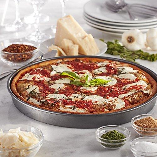 Chicago deep dish pizza pan