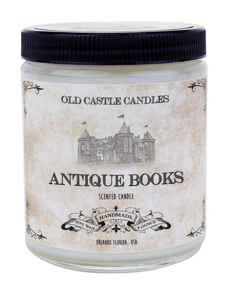 Vela con olor a libros antiguos de Old Castle Candles | Regalos para lectores - Letras y Latte