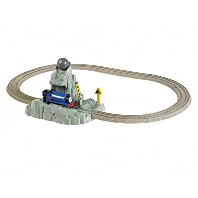 Fisher-Price Thomas & Friends TrackMaster, Runaway Boulders: Toys & Games