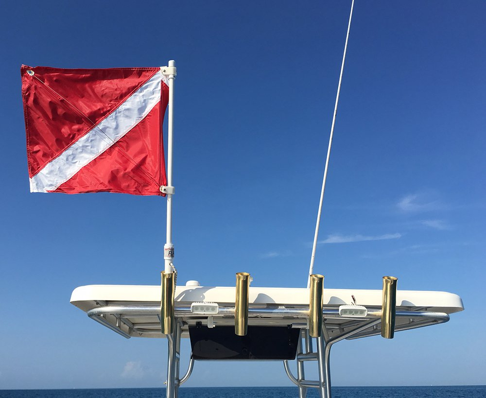 Dive Flag with Pole for Boat T - Top by Spearfishingworld