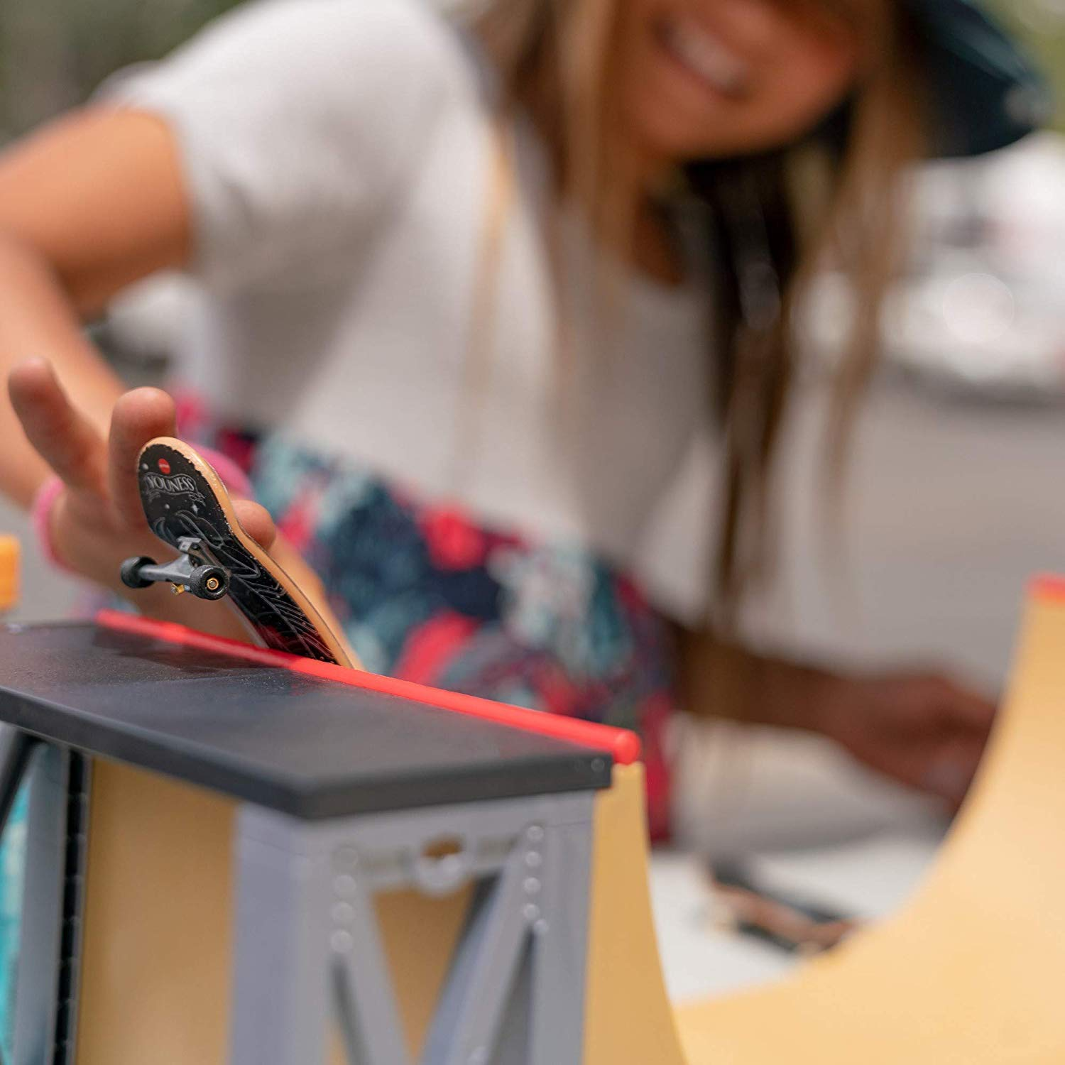 Tech Deck - Ultimate Half-Pipe Ramp and Exclusive Primitive Pro Model Finger Board, for Ages 6 and Up by Tech Deck (Image #7)