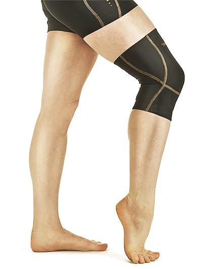 27bd556235d34 Amazon.com  Tommie Copper Women s Performance Triumph Knee Sleeve ...