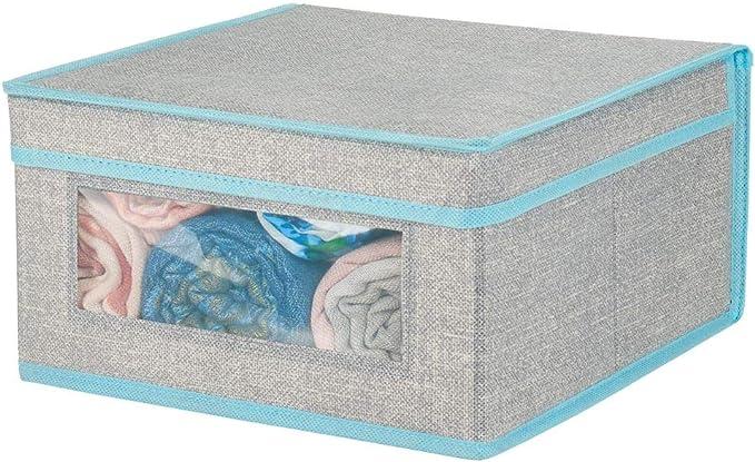 mDesign Caja de tela apilable con ventana transparente – Caja con tapa mediana para guardar prendas o sábanas – Ideal como organizador de armarios o caja para guardar ropa – gris y