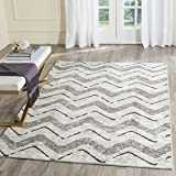 Safavieh Adirondack Collection ADR121P Silver and Charcoal Modern Chevron Area Rug (5'1″ x 7'6″) For Sale