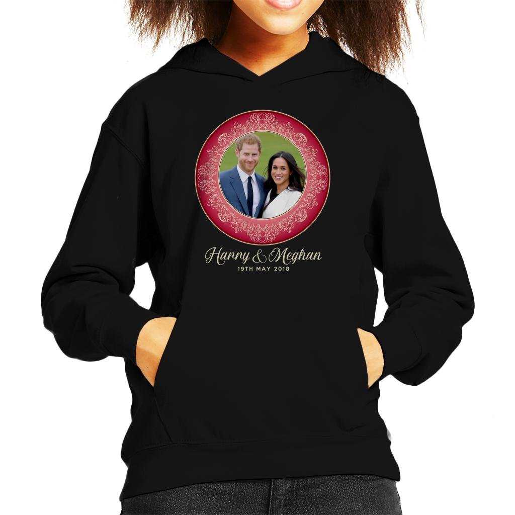 Coto7 Red Harry and Meghan Royal Wedding Decorative Plate Kid's Hooded Sweatshirt