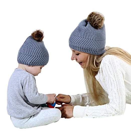 0dac9c48234bc Goocheer 2Pcs Thick Knit Matching Hats for Mom Baby Winter Warm Beanies  with Pompon (Style