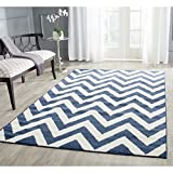 Safavieh Amherst Collection AMT419P Navy and Beige Indoor/Outdoor Area Rug, 4 Feet by 6 Feet