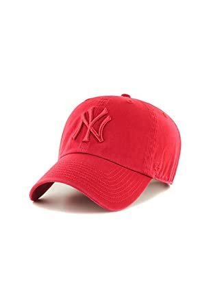 7b8188f25 Amazon.com: '47 New York Yankees Clean Up Strapback Red Cap: Clothing