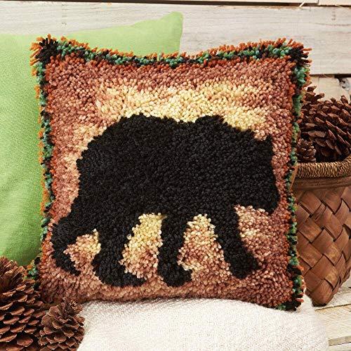Herrschners® Cabin Fever Bear Pillow Latch Hook ()