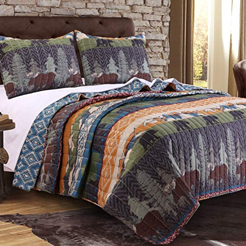 - Wilderness Retreat Black Bear Full/Queen 3-Piece Quilt Set Beautiful Attractive Rich Earthtone Colors Durable Country Bedspread Soft Comfortable Bedding Comforter Cabin Lodge Feel At Home Bed Decor