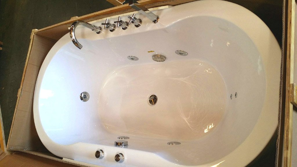 Freestanding Jetted Massage Hydrotherapy Bathtub Indoor Whirlpool - Free standing jetted soaking tub