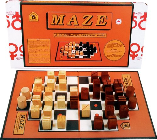 family-pastimes-maze-a-co-operative-strategy-game