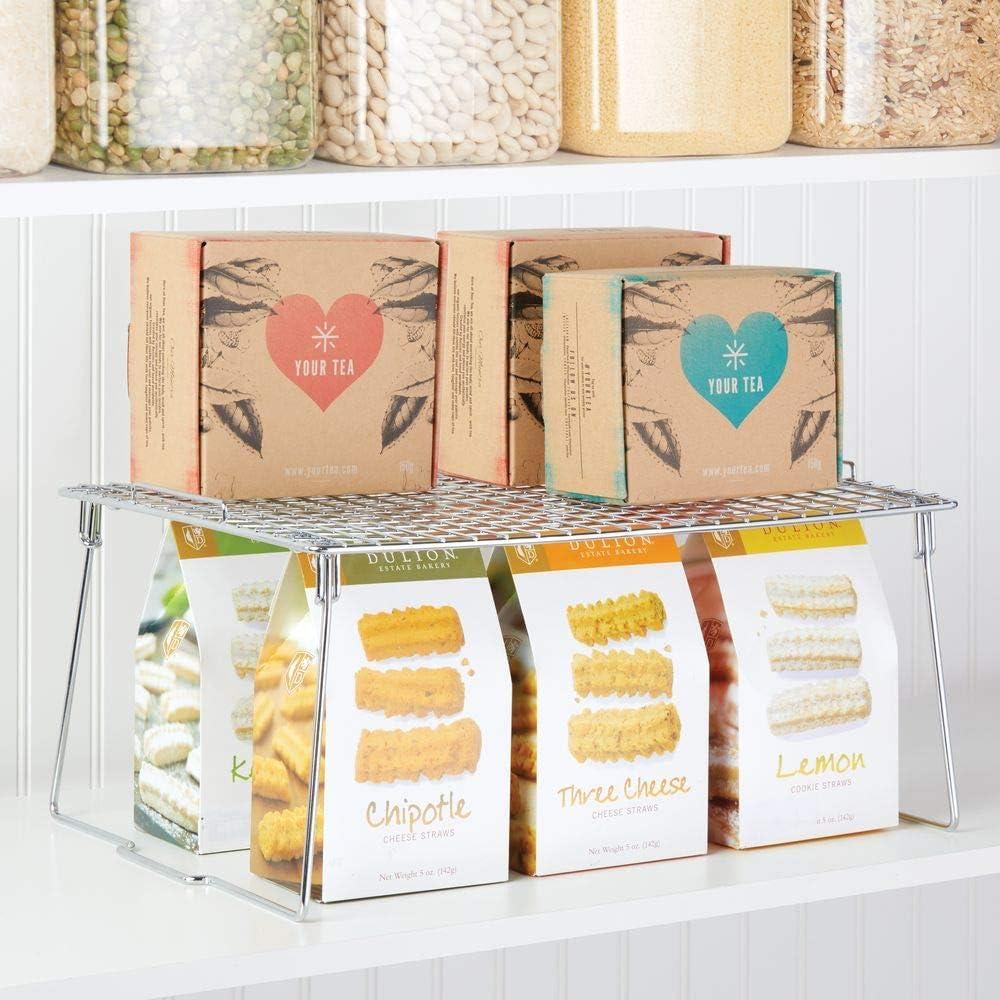 mDesign Juego de 2 estantes apilables para almacenaje de cocina Moderno organizador de armarios para vajilla Repisa met/álica de cocina con patas plegables plateado conservas y especias