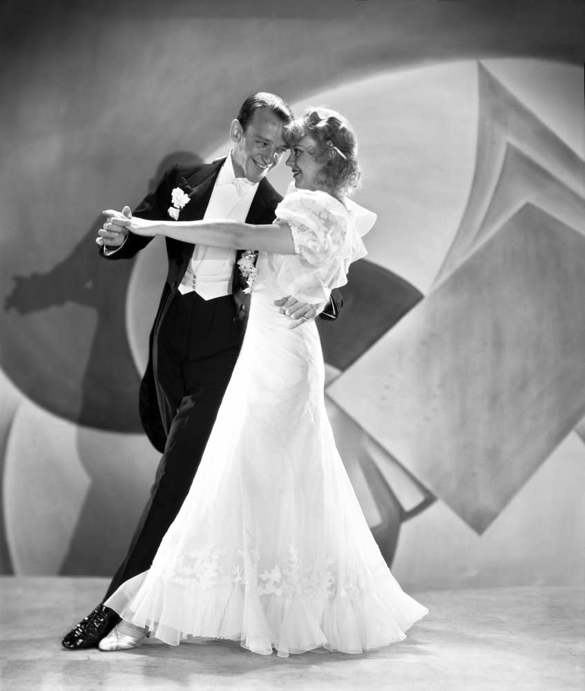 Amazon Com Fred Astaire And Ginger Rogers Ballroom Dancing On Stage In White Dress And Black Suit Photo Print 8 X 10 Posters Prints