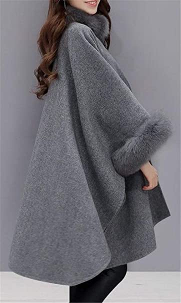 7bed92197566e Amazon.com  Lutratocro Women Fall Winter Cape Poncho Faux Fur Outwear Wool  Blended Pea Coat  Clothing
