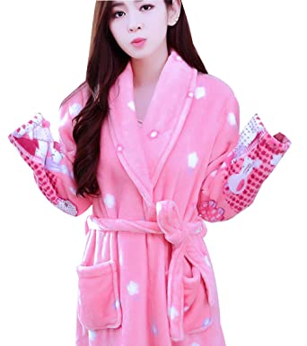 e238504b8366 FreLO Women s Clouds Cute Flannel Spa Robe Bath Robe at Amazon ...