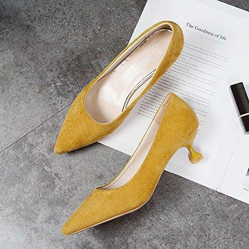 Xue Qiqi 3cm inferior y superior con fina femenina popular mujer Tacones altos zapatos de tacón pequeño tip solo Zapato negro chica Amarillo