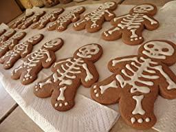 Amazon.com: Fred and Friends GINGERDEAD MEN Cookie Cutter/Stamper